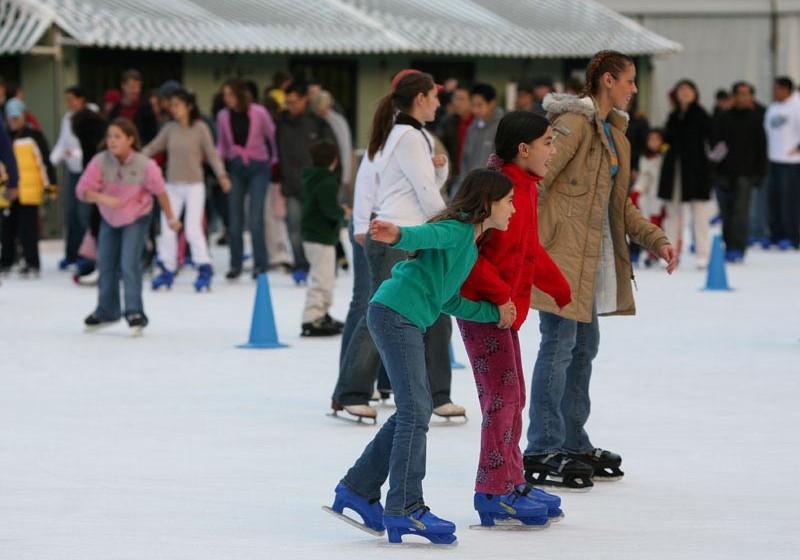 bryant_park_ice_skating4